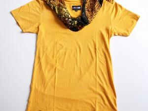 Tshirt en coton/viscose avec application soierie au col.