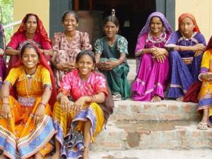 Visite d'un atelier de broderie équitable à Delhi en Inde