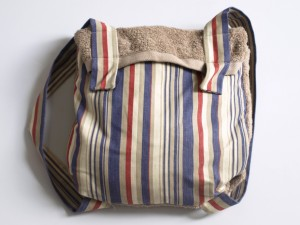 Concept de serviette sac à dos réalisé pour un client français.
